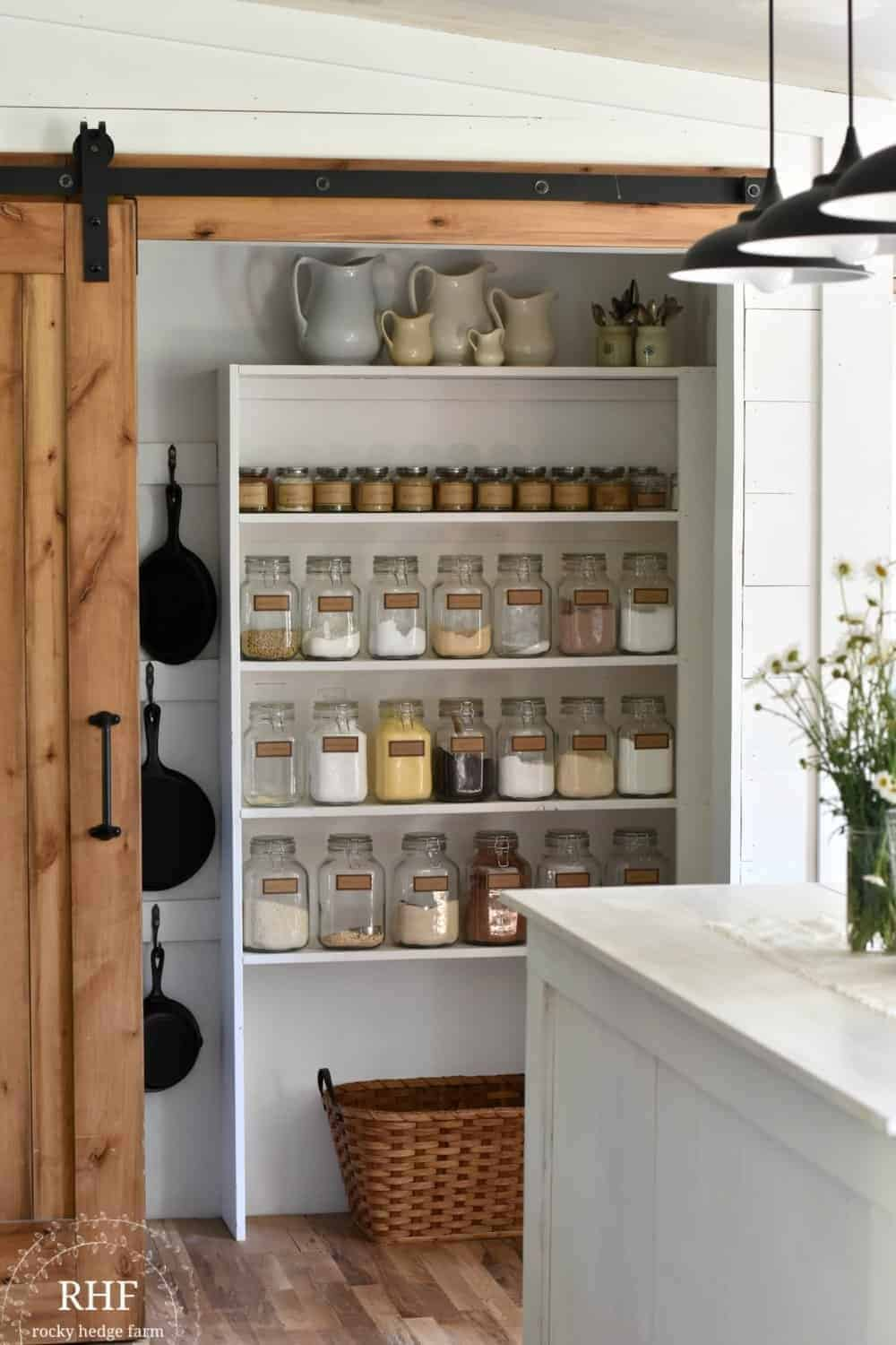 building a walk in pantry