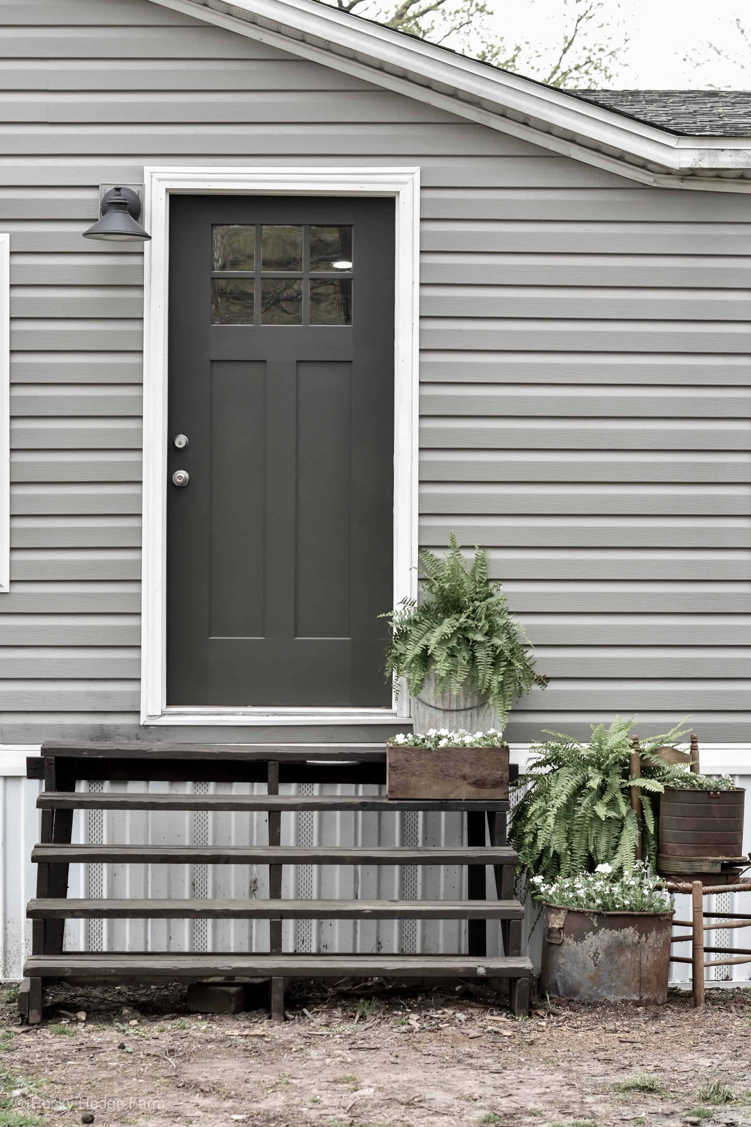 Mobile Home Spring Porch - Rocky Hedge Farm on