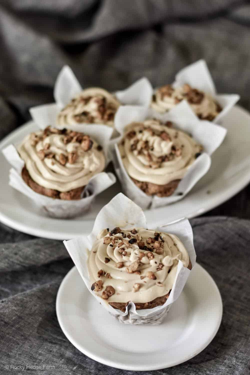 sourdough-carrot-cupcakes-with-cream-cheese-frosting