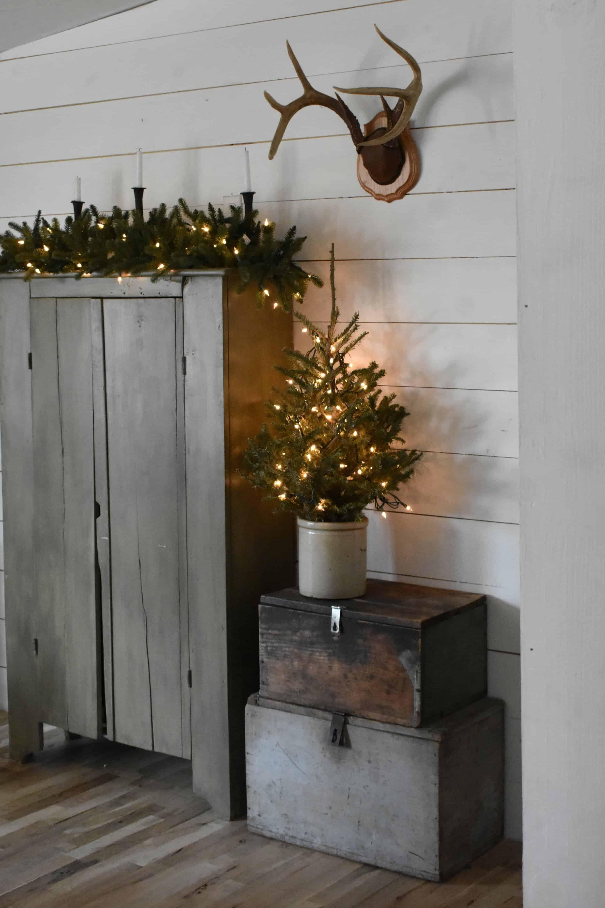 Christmas cozy rustic farmhouse living room