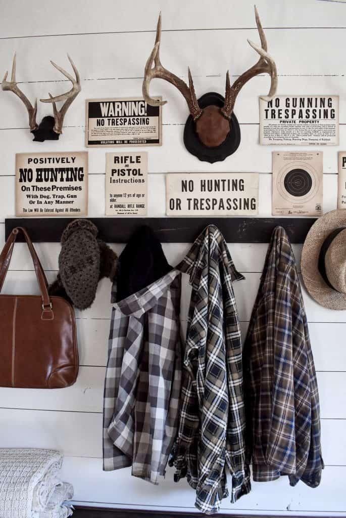 Vintage Entryway Coat Rack Peg Shelf