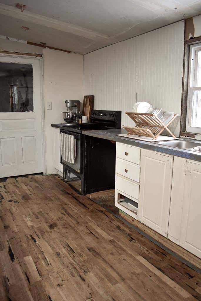 How to Remodel a Mobile Home Kitchen