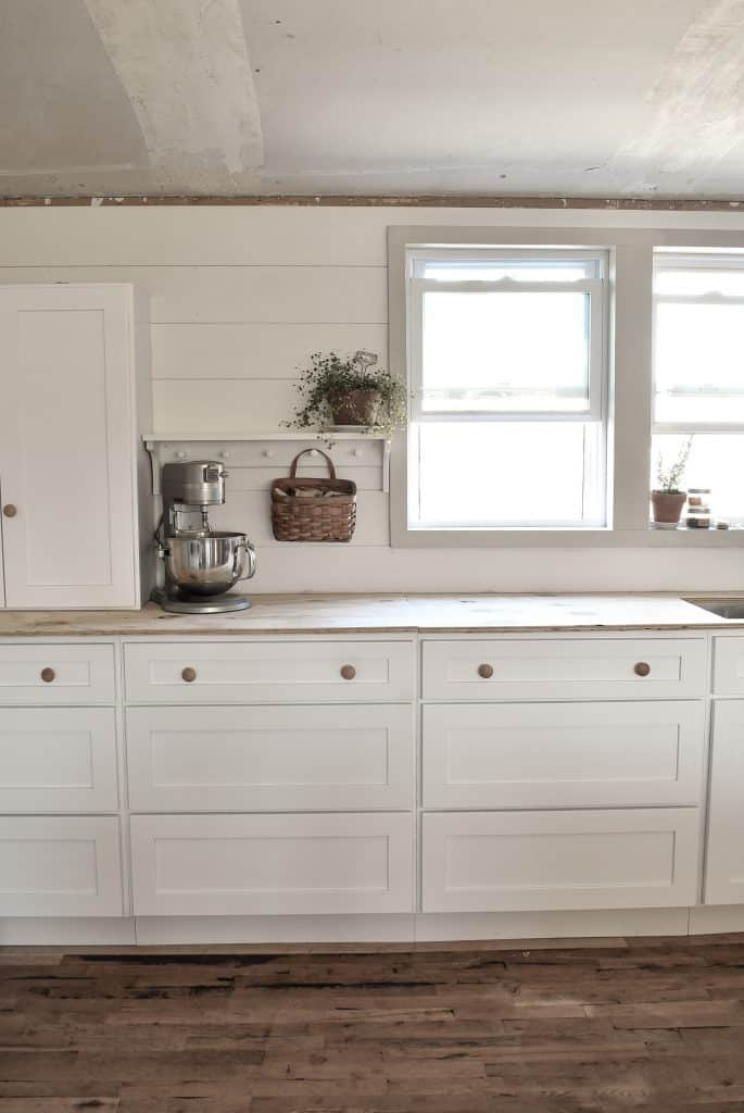 White Shaker Style Farmhouse Kitchen Remodel