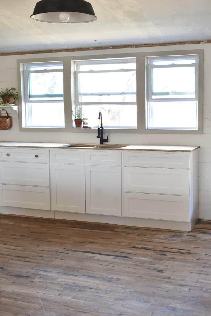 White Shaker Farmhouse Kitchen Cabinets