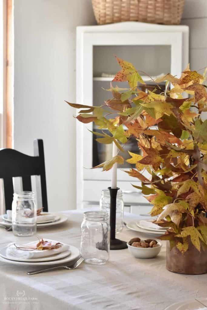 fall farmhouse table decor