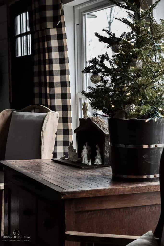 Simple-White-Nativity-Set